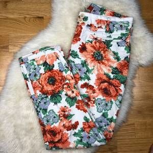!Anthropologie Cartonnier Floral Pants AA14
